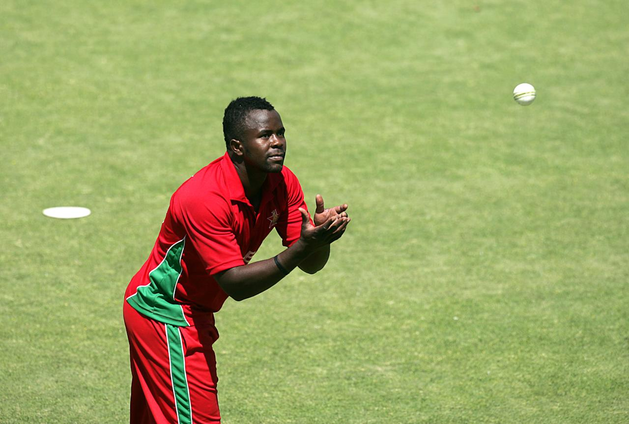 Zimbabwe's bowler Brian Vitori in action during the first game of the three match ODI cricket series between Pakistan and hosts Zimbabwe at the Harare Sports Club August 27, 2013.AFP PHOTO / JEKESAI NJIKIZANA        (Photo credit should read JEKESAI NJIKIZANA/AFP/Getty Images)