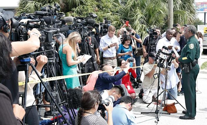 Orange County Sheriff Jerry Demings briefs the media at the scene of a shooting in Orlando, Florida on June 5, 2017 (AFP Photo/Gregg Newton)