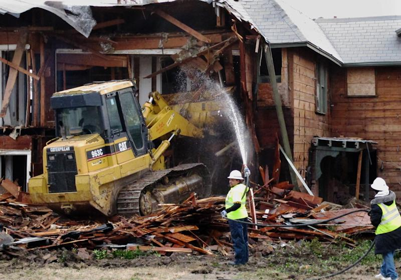 Dallas tears down ex-home of JFK assassin Oswald