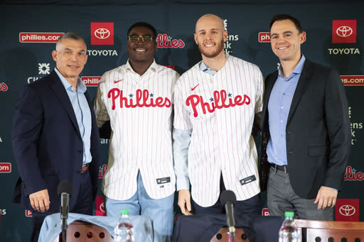 Klentak out as Phils GM after 3rd straight September slump