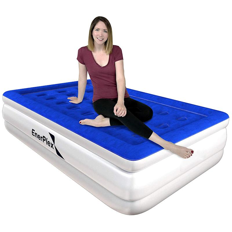 EnerPlex High Speed Twin Air Mattress. (Photo: Amazon)