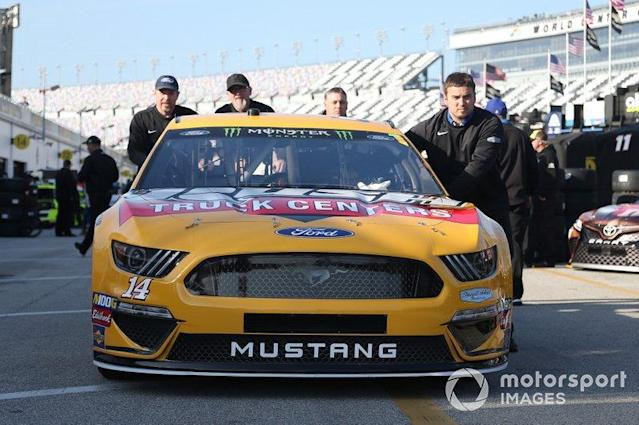 "Clint Bowyer, Stewart-Haas Racing, Ford Mustang Rush Truck Centers/Mobil 1 <span class=""copyright"">Matthew T. Thacker / NKP / LAT Images</span>"