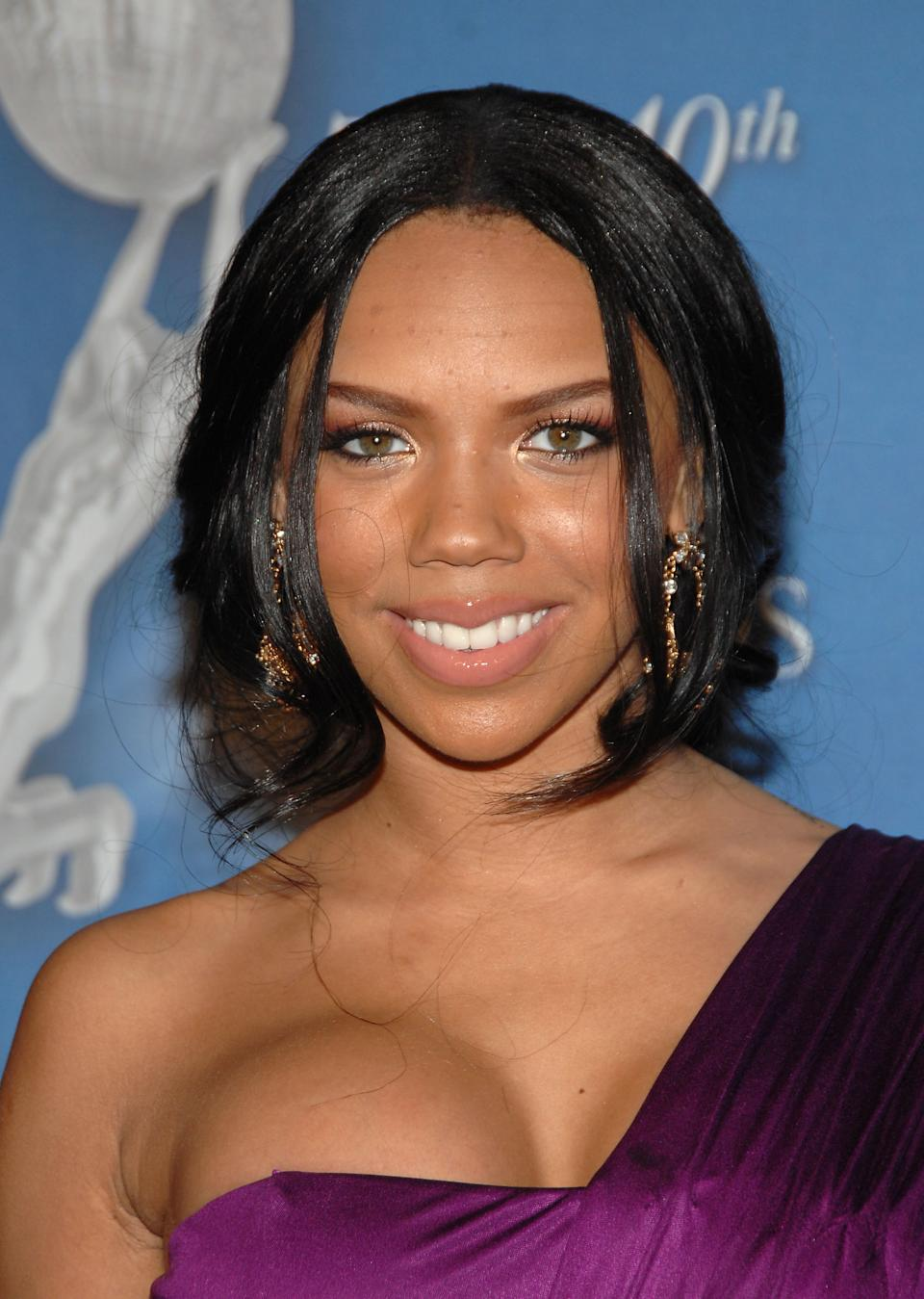 LOS ANGELES, CA - FEBRUARY 12:  Actress/singer Kiely Williams of The Cheetah Girls arrives at the 40th NAACP Image Awards at the Shrine Auditorium on February 12, 2009 in Los Angeles, California.  (Photo by John Shearer/WireImage)
