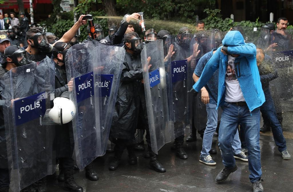 Turkish police used tear gas and water cannon to break up the demonstration in favour of two hunger strikers protesting their sacking following last year's attempted coup (AFP Photo/ADEM ALTAN)
