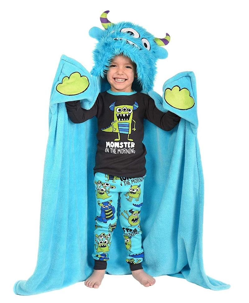 """Snuggle up with your little one in this&nbsp;<strong><a href=""""https://amzn.to/2O2Ci6w"""" target=""""_blank"""" rel=""""noopener noreferrer"""">wearable animal blanket</a></strong>. Both of you will be sure to enjoy it. <strong><a href=""""https://amzn.to/2O2Ci6w"""" target=""""_blank"""" rel=""""noopener noreferrer"""">Get it on Amazon</a></strong>."""