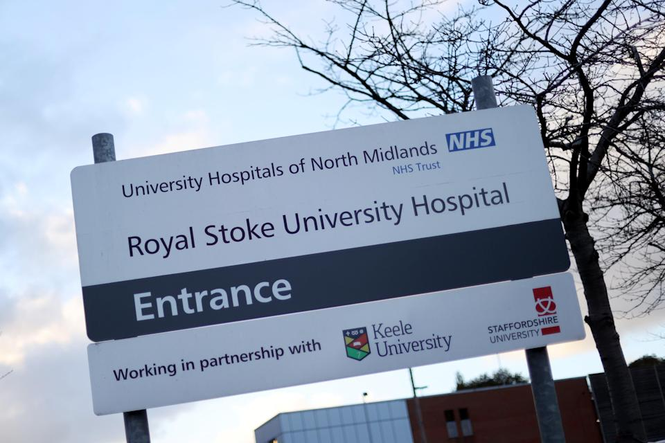 The Royal Stoke University Hospital, pictured after new nationwide restrictions were announced during the coronavirus disease (COVID-19) outbreak in Stoke-on-Trent, on 4 November 2020 (REUTERS/Carl Recine)