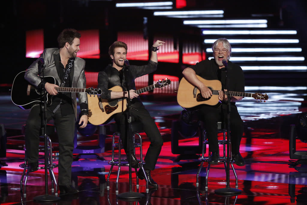 "The Swon Brothers and Bob Seger perform ""Night Moves"" on the ""Live Finale"" episode of ""The Voice"" Season 4."