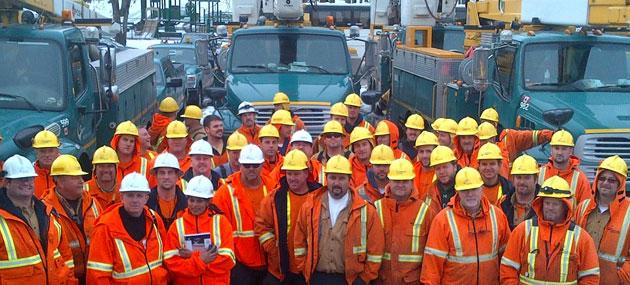 Yahoo Exclusive Toronto Hydro Employees Worked Long Days In Long Island After Hurricane Sandy