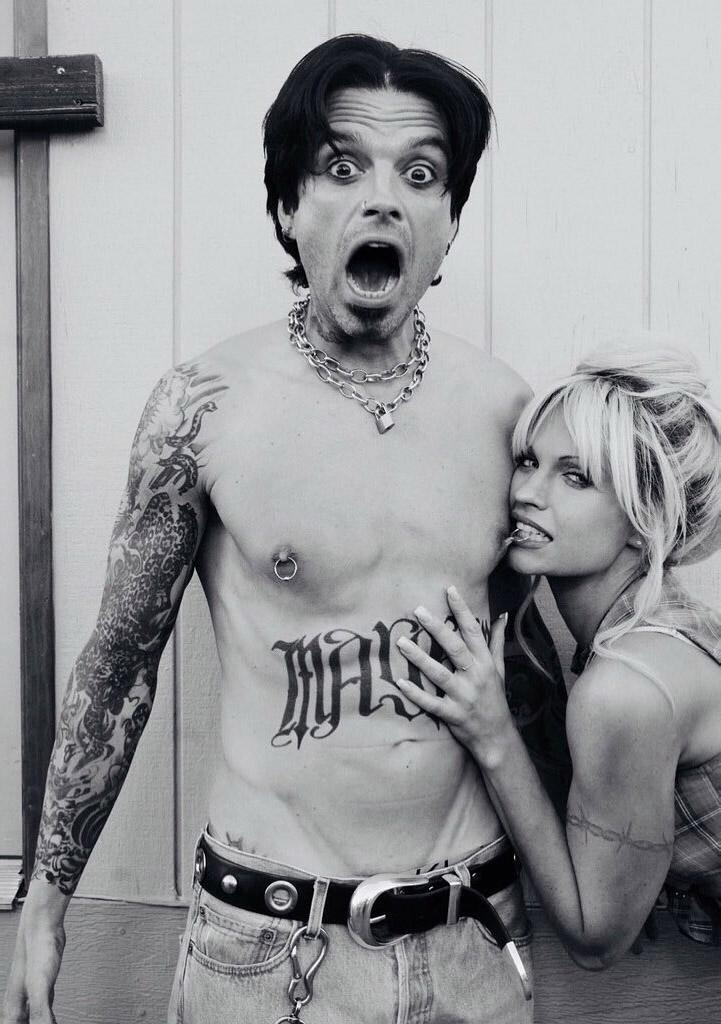Sebastian shared a photo showing his full transformation into Tommy Lee with black hair, a goatee, piercings and tattoos. Photo: Hulu