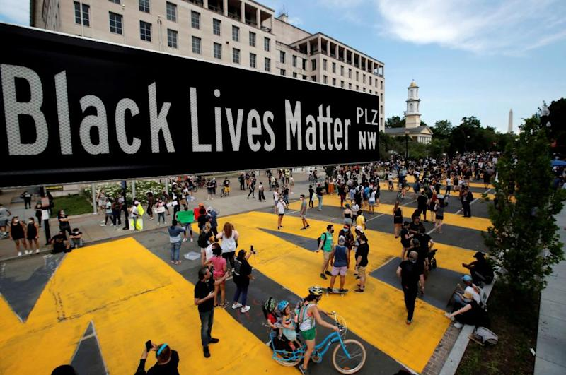 Muriel Bowser, mayor of Washington DC, renamed a street just in front of the presidential residence Black Lives Matter Plaza.