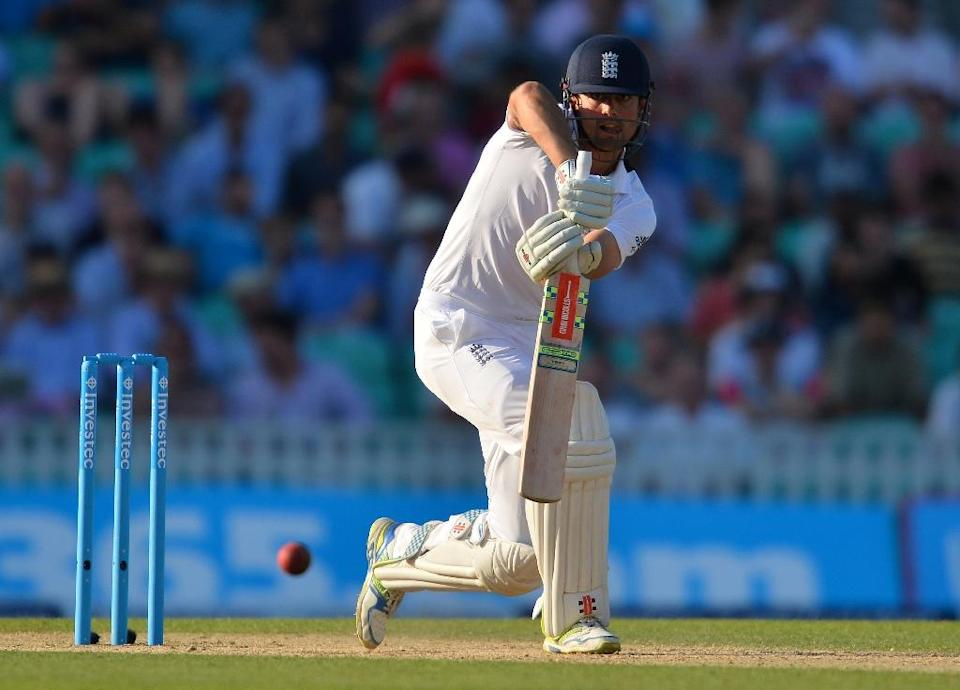 England captain Alastair Cook bats after Australia enforce a follow-on on the third day of the fifth Ashes Test at the Oval on August 22, 2015 (AFP Photo/Glyn Kirk)