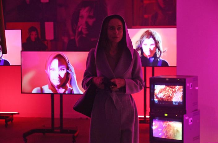 """<div class=""""caption""""> Designed as a vibrant contrast to the Smythsons' world in the Hamptons, video installations by New York performance artist Rob Roth were used for character Ada Risi's """"Retro-Perspective"""" at the New Museum. </div> <cite class=""""credit"""">Photo: Michael Lavine</cite>"""
