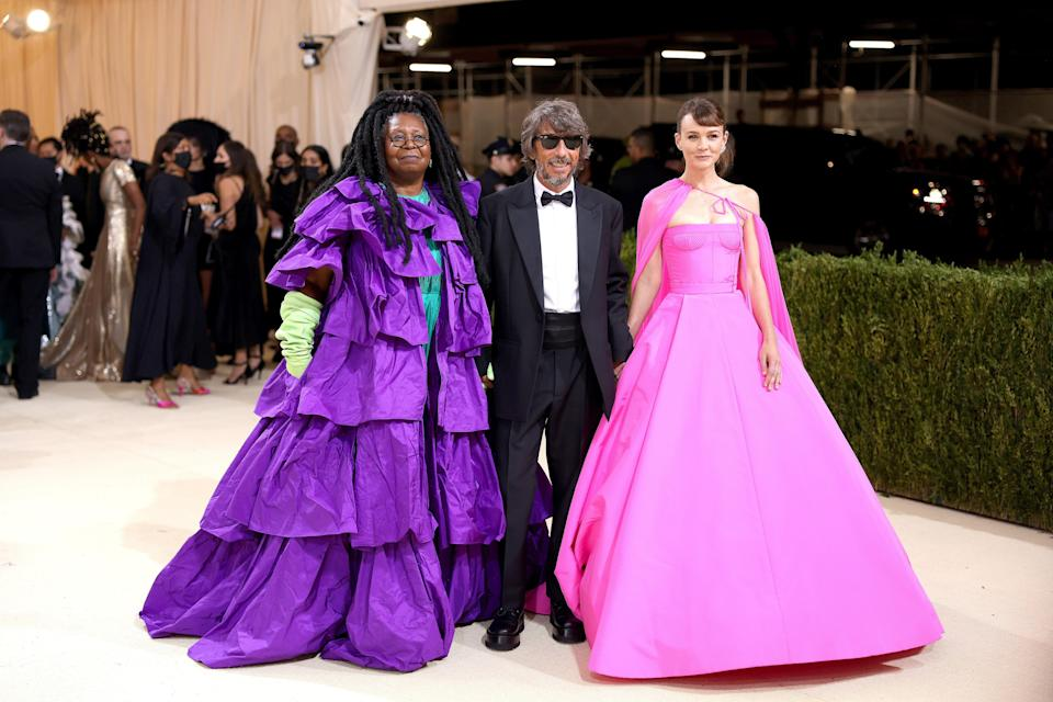 """<h1 class=""""title"""">Whoopi Goldberg, Pierpaolo Piccioli and Carey Mulligan in Valentino</h1><cite class=""""credit"""">Photo: Getty Images</cite>"""
