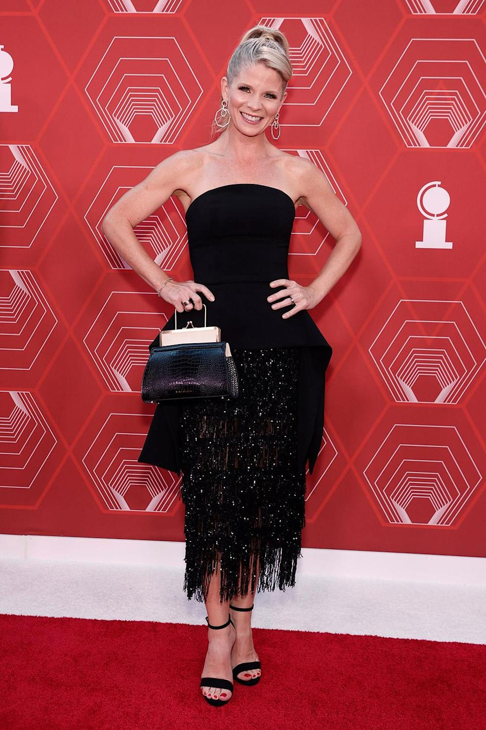 <p>Broadway star Kelli O'Hara took her little black dress to the next level with a sequin fringe. </p>