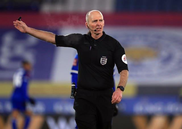 Mike Dean has asked not to be selected for this weekend's Premier League fixtures