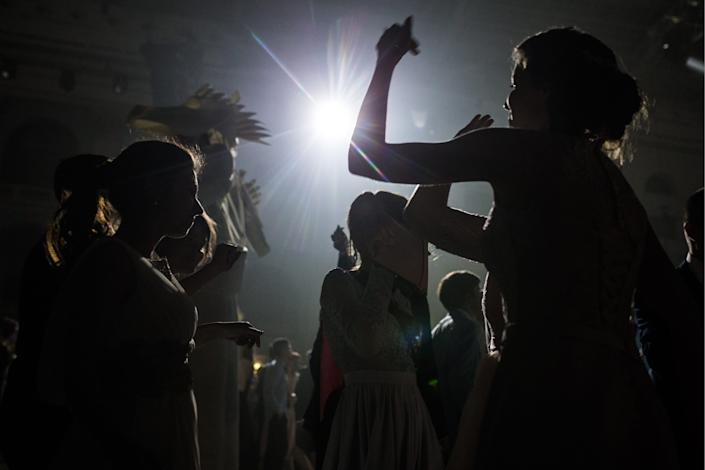 """JUNE 23, 2017: School leavers have a party at Moscow's Gostiny Dvor Shopping and Exhibition Centre after the 2017 All-Russian school graduation ball at the State Kremlin Palace. <p class=""""copyright"""">Sergei Bobylev\TASS via Getty Images</p>"""