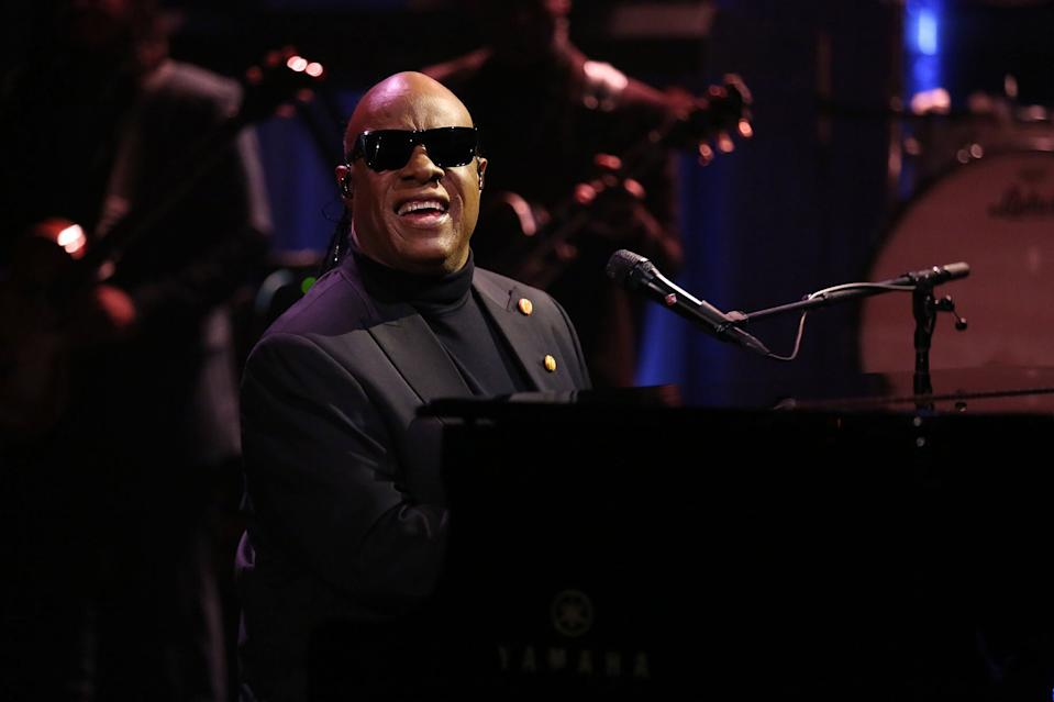 Stevie Wondersuitable for Any Mobile Phone Three in One Data Line