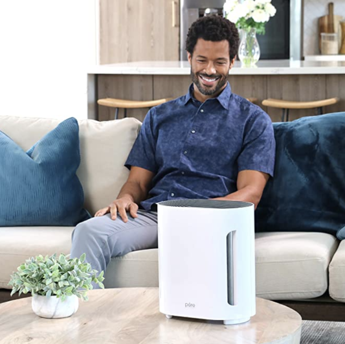 Save 40 percent off on this top-rated purifier. (Photo: Amazon)