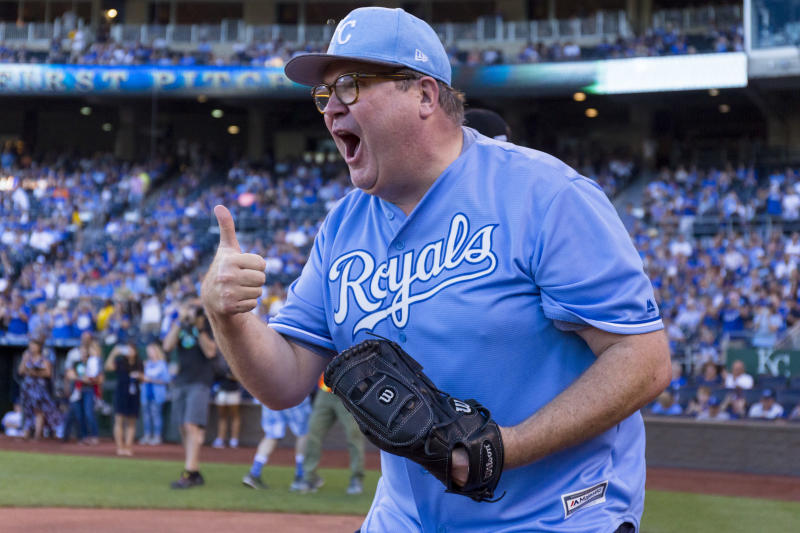 KANSAS CITY, MO - JUNE 23: Eric Stonestreet gives a thumbs up after catching the first pitch during the Big Slick Celebrity Weekend benefitting Children's Mercy Hospital of Kansas City on June 23, 2017 in Kansas City, Missouri. (Photo by Kyle Rivas/Getty Images)