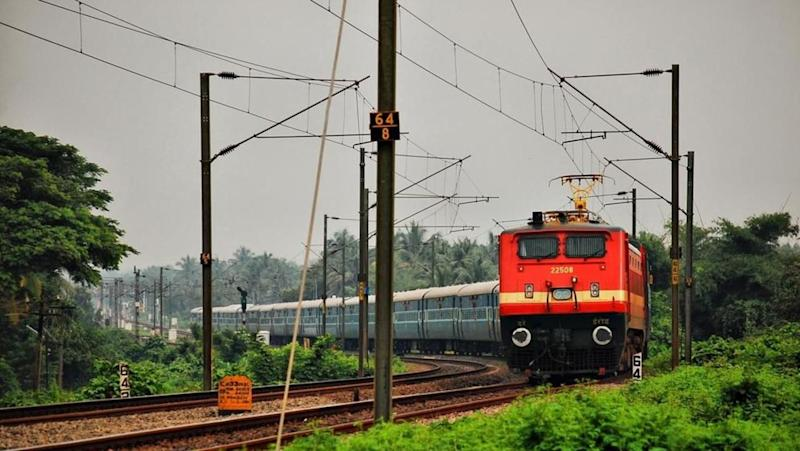 500km wall along Delhi-Mumbai train route to make travel faster
