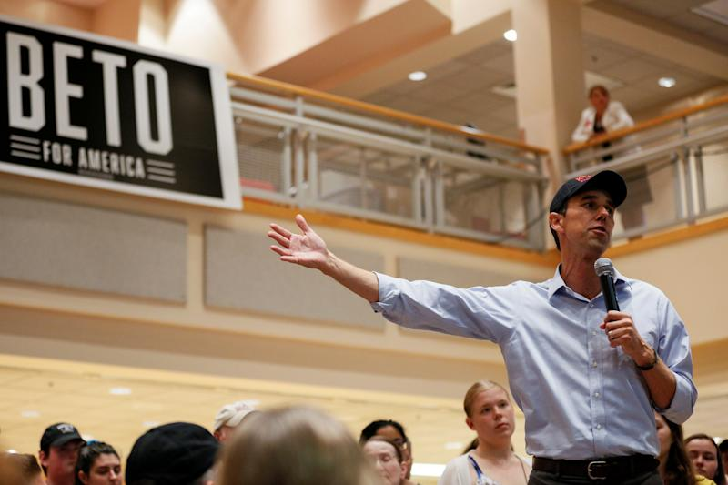 Democratic 2020 U.S. presidential candidate and former U.S. Representative Beto O'Rourke speaks at a campaign town hall meeting at Keene State College in Keene, New Hampshire, U.S., September 6, 2019. REUTERS/Elizabeth Frantz