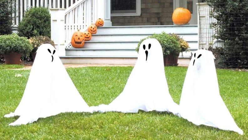 Just don't mistake these ghosts for Trick-or-Treaters.