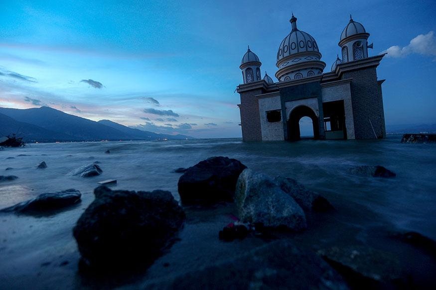 Indonesia Earthquake & Tsunami: The remains of a mosque destroyed by the earthquake and tsunami lay in Palu, Sulawesi, Indonesia. (Image: Reuters)