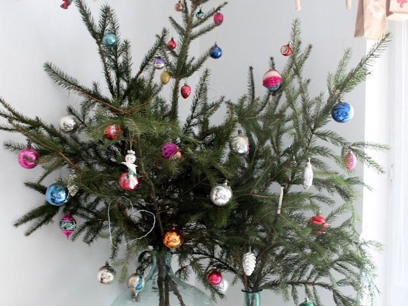 Christmas Tree Alternative.Genius Christmas Tree Alternatives For Small Spaces