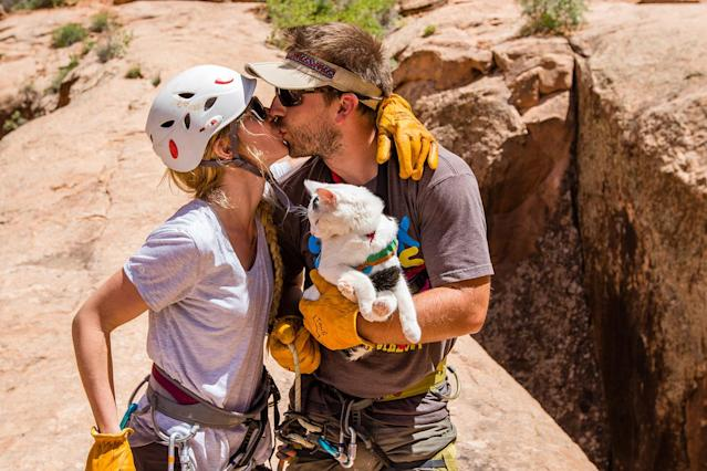 <p>Family rappel off a sandstone arch, just outside of Arches National Park, Utah. (Photo: Our Vie / Caters News) </p>