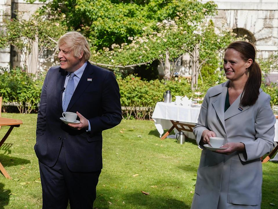 Boris Johnson with Jenny McGee as the NHS celebrates its 72nd anniversary (Andrew Parsons/No10 Downing Street)