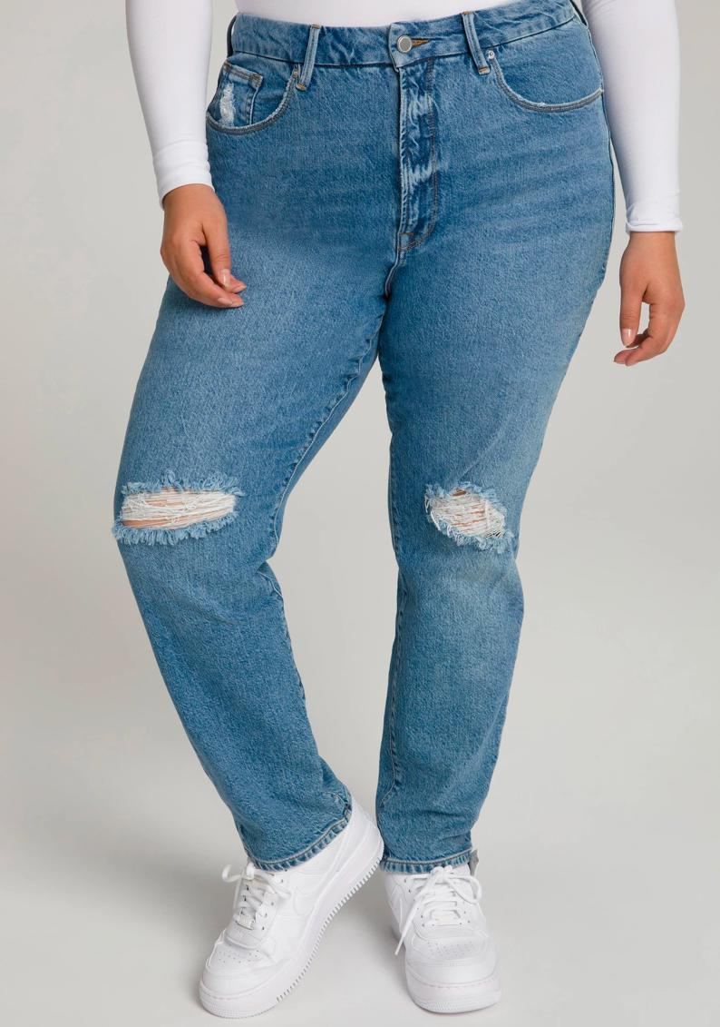 "Not only does Good American offer an inclusive size range (say hello to the never-before-seen size 15), but its Responsible Denim line reduces its energy footprint with less water usage and solar-powered factories. $159, Good American. <a href=""https://www.goodamerican.com/products/good-classic-blue509"" rel=""nofollow noopener"" target=""_blank"" data-ylk=""slk:Get it now!"" class=""link rapid-noclick-resp"">Get it now!</a>"