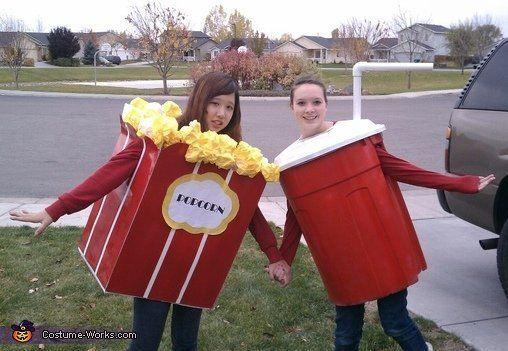 """Vía <a href=""""http://www.costume-works.com/popcorn_and_soda.html"""" target=""""_blank"""">Costume-Works.com</a>"""