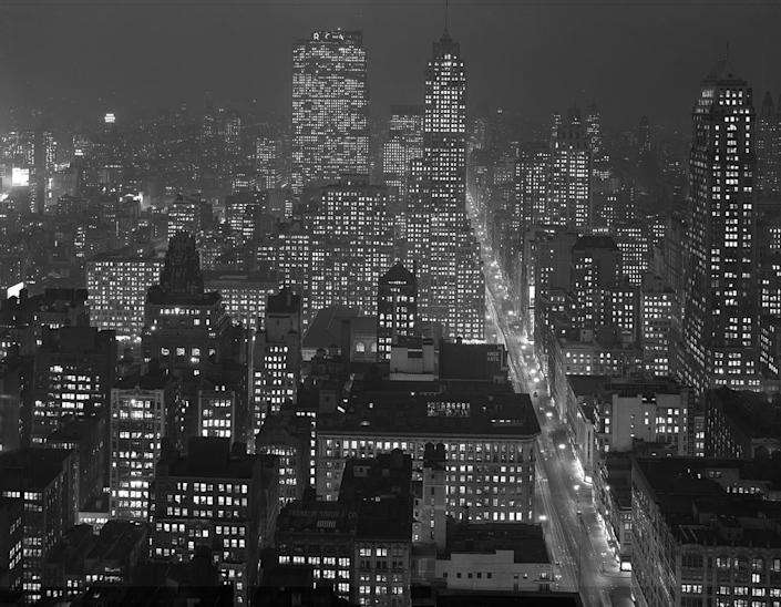 <p>Night, from the Empire State Building, 1946. (© Todd Webb Archive) </p>