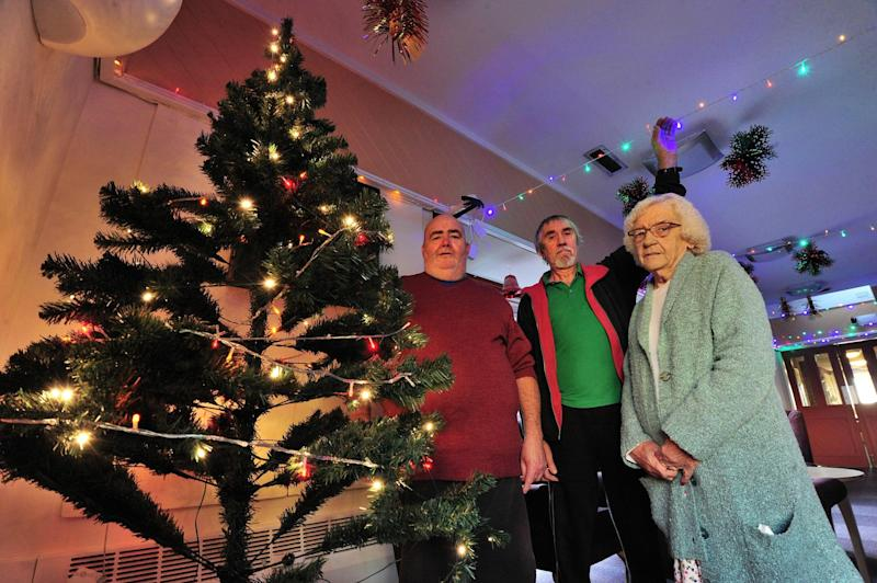 elf and safety pensioners banned from putting christmas decorations up amid safety fears