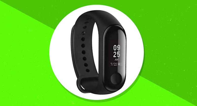 Track your steps, sleep and heart rate with this affordable fitness tracker. (Photo: Amazon)