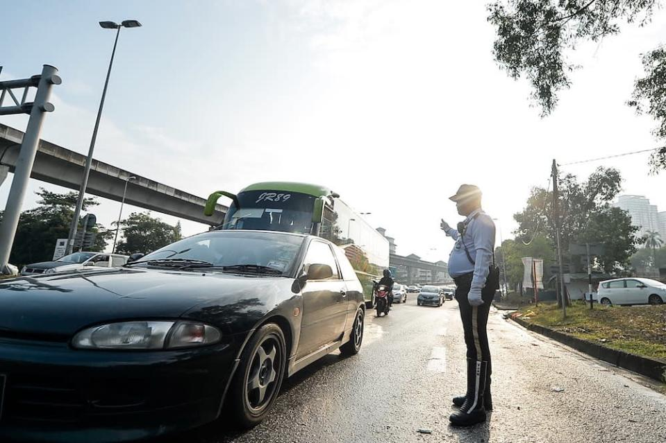 In Malaysia, there are generally no medical tests needed or age-related restrictions for driving licences to be renewed. — Picture by Hari Anggara