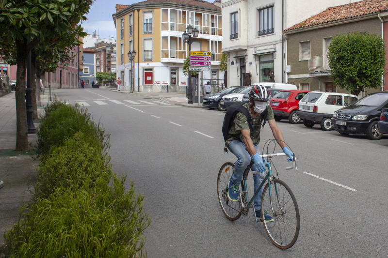 A general view of Norena, Spain, on May 4, 2020. Spain reactivates part of its economic activity from this May 4, the date on which most of the Spanish territory is in phase 0 of the de-escalation by the coronavirus. From hardware stores to bookstores, through clothing stores or shoe stores: shops can open to the public if they have less than 400 square meters of surface (Photo by Alvaro Fuente/NurPhoto via Getty Images)