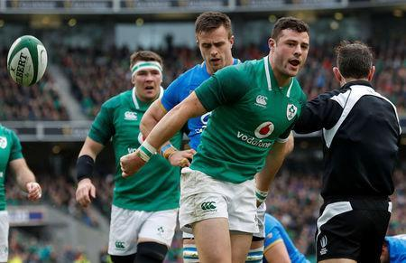 Rugby Union - Six Nations Championship - Ireland vs Italy - Aviva Stadium, Dublin, Republic of Ireland - February 10, 2018 Ireland's Robbie Henshaw celebrates scoring their first try REUTERS/Russell Cheyne