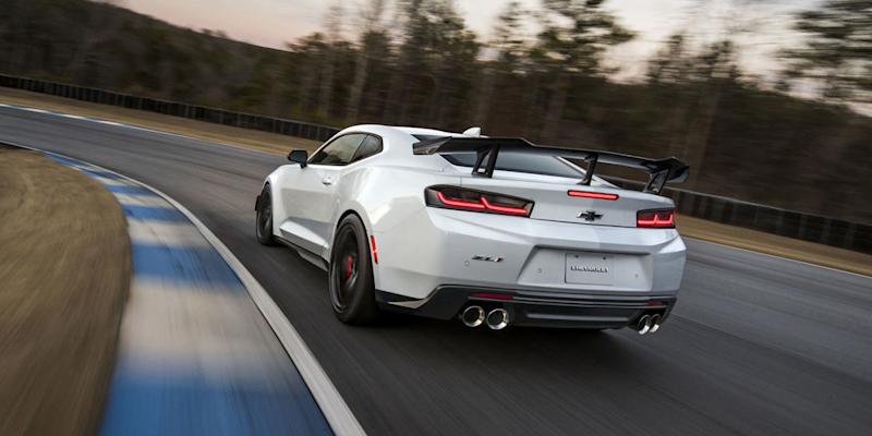Chevrolet Camaro ZL1 1LE Price Announcement Has Fans Grinning