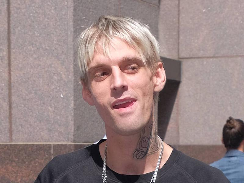 Aaron Carter showers, plays guitar naked during adult webcam show