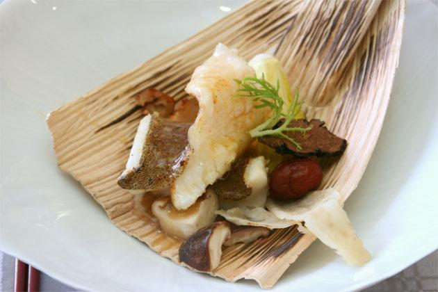 Baked Fish with Wild Gastrodia, Cnidium and Red Dates.