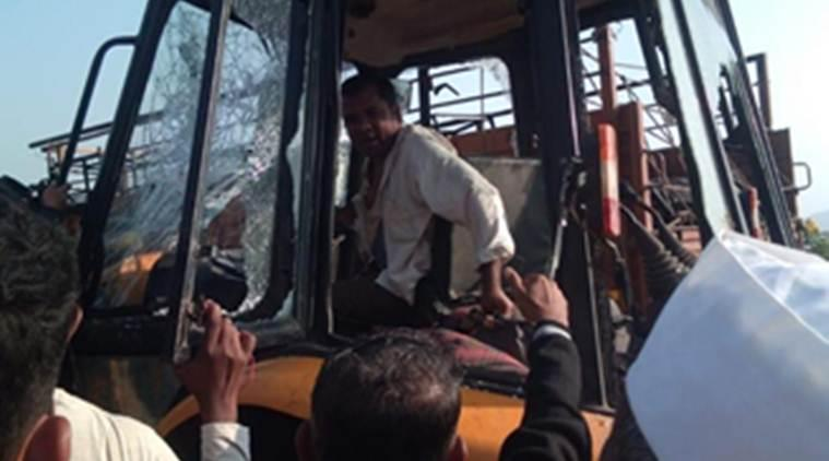 Two Warkaris killed, 15 more injured as earthmover runs into procession near Pune