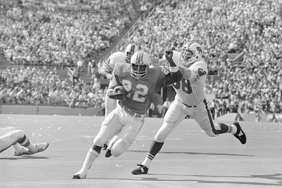 The rib-breaking linebacker who made one of the most famous plays in Bills history, Stratton died due to heart complications at age 78. Stratton's signature moment came in the 1964 AFL title game when his picture-perfect tackle of San Diego running back Keith Lincoln broke Lincoln's ribs and turned the tide in a game Buffalo ultimately won for its first championship.