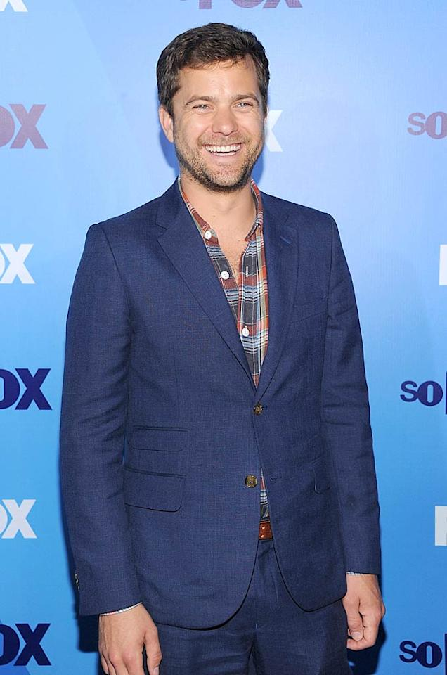 "Over at the Fox Upfronts, ""Fringe"" hottie Joshua Jackson cracked a big smile. Dimitrios Kambouris/<a href=""http://www.gettyimages.com/"" target=""new"">GettyImages.com</a> - May 16, 2011"