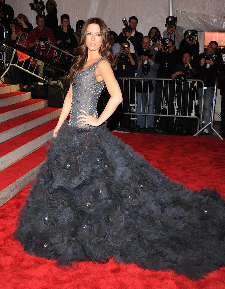 "Kate Beckinsale floated down the red carpet in a voluminous tulle gown by Marchesa. Kevin Mazur/<a href=""http://www.wireimage.com"" target=""new"">WireImage.com</a> - May 4, 2009"