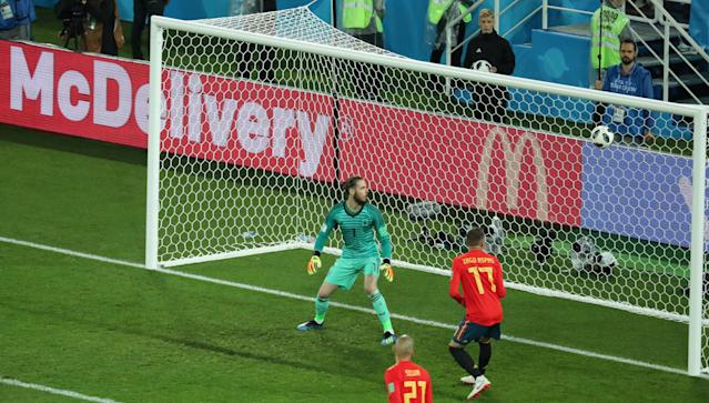 Soccer Football - World Cup - Group B - Spain vs Morocco - Kaliningrad Stadium, Kaliningrad, Russia - June 25, 2018 Spain's David de Gea looks on as Morocco's Youssef En-Nesyri (not pictured) scores their second goal REUTERS/Mariana Bazo