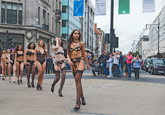 The 'model's brought Oxford Street to a standstill [Photo: Bluebella]
