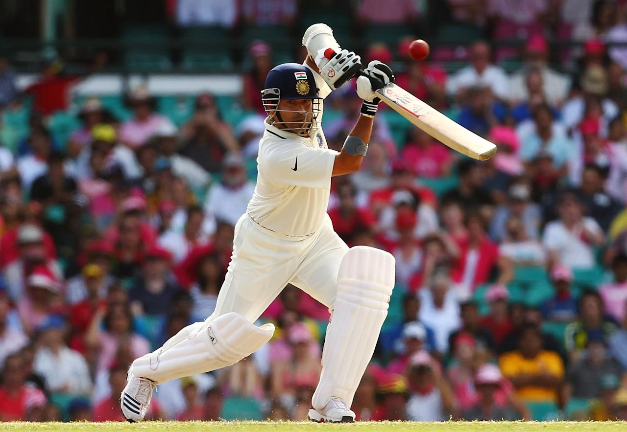 SYDNEY, AUSTRALIA - JANUARY 05: Sachin Tendulkar of India bats during day three of the Second Test Match between Australia and India at Sydney Cricket Ground on January 5, 2012 in Sydney, Australia.  (Photo by Mark Nolan/Getty Images)