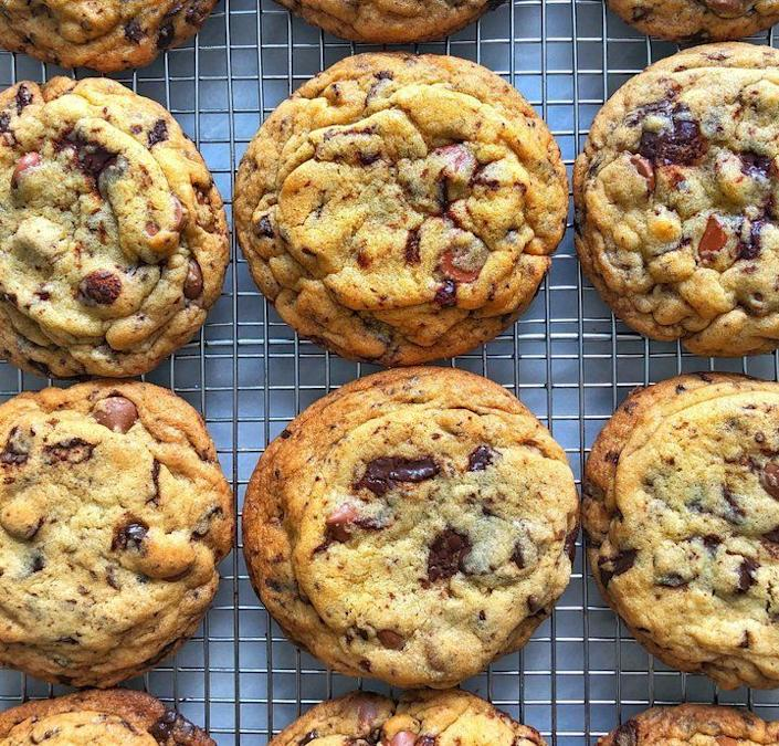 """<strong>Get the <a href=""""https://www.huffingtonpost.com/entry/chewy-chewy-chocolate-chip-cookie-recipe_us_5b5b34c5e4b0b15aba986dcf"""" rel=""""nofollow noopener"""" target=""""_blank"""" data-ylk=""""slk:Ultimate Chewy Chocolate Chip Cookies"""" class=""""link rapid-noclick-resp"""">Ultimate Chewy Chocolate Chip Cookies </a> recipe from HuffPost via <a href=""""http://instagram.com/jakecohen"""" rel=""""nofollow noopener"""" target=""""_blank"""" data-ylk=""""slk:@jakecohen"""" class=""""link rapid-noclick-resp"""">@jakecohen</a>.</strong>"""