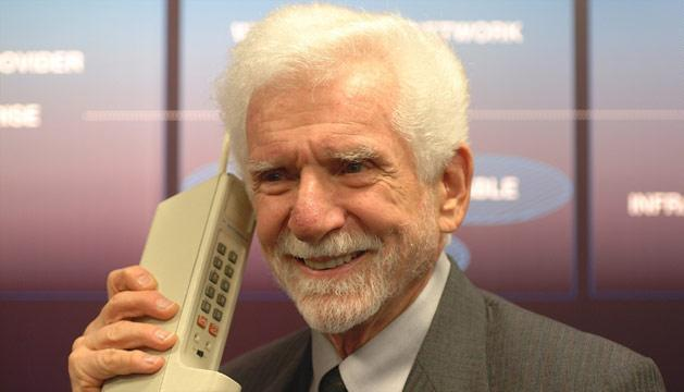 Marty Cooper with the Motorola DynaTAC 8000x—the first mobile phone.